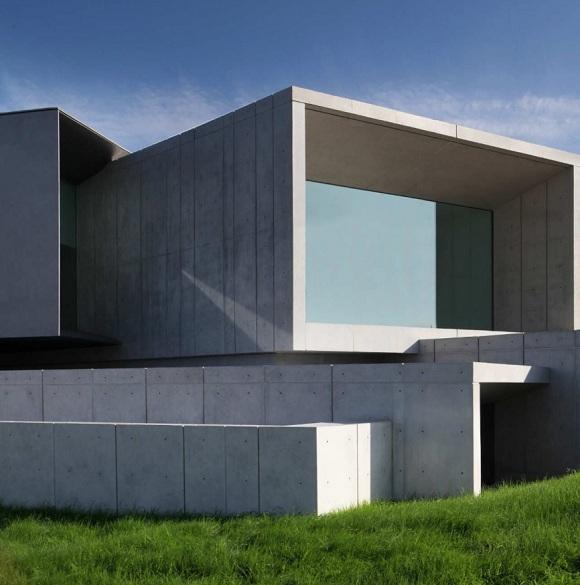 Sichtbetonwand ohne d mmung for Minimalismus architektur